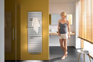 Für den nachträglichen Einbau: Spezielle Anschlussgarnituren binden die Fußbodenheizung über den Badheizkörper an das vorhandene Heizkörpernetz an