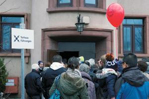 """Beim Konversionsprozess in Heidelberg arbeitet die NH ProjektStadt mit verschiedenen Formaten der Bürgerbeteiligung. Dazu zählen auch """"Tage der offenen Tür"""", """"Konversionsspaziergänge"""" und Führungen, die mit teils mehr als 800 Teilnehmern auf großes Interesse stoßen<br /><br />"""
