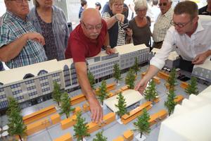 Bei der Neugestaltung des Limburger Neumarktes konnten Bürger selbst aktiv werden und unterschiedliche Planungsvarianten ausprobieren <br />