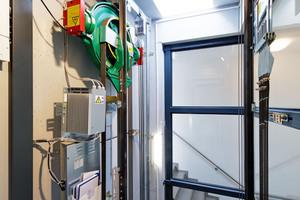 Mit Einführung der maschinenraumlosen Aufzugtechnik sanken die Aufzugskosten in Neubauten