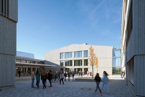 """Ist als Modellprojekt für ein Plusenergiehaus """"ein beeindruckendes Beispiel für zukunftsweisende nachhaltige Architektur"""": der Neubau des Schmuttertal-Gymnasiums im schwäbischen Diedorf"""