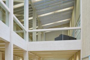 Die Schule im Landkreis Augsburg ist so gebaut, dass das Gebäude mehr Energie erzeugt als verbraucht