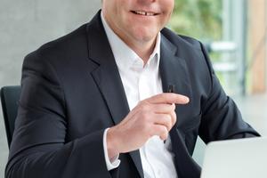 """Stadtwerke-Chef Andreas Reinhardt: """"Geschäftsmodelle der Stadtwerke, die Verantwortung haben für kommunales Vermögen, müssen auf vernünftigen Füßen stehen und sollten nicht durch Strohfeuer beflügelt werden."""""""