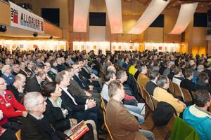 Das Programm umfasst 50 Fachvorträge mit Anwendungsbeispielen und Diskussionsrunden