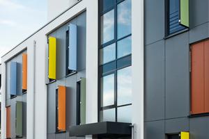 Die Siedlung zeichnet sich durch energetisch sinnvolles Bauen mit hoher Transparenz, einer lebhaften Fassadengestaltung und durchdachter Funktionalität aus<br />