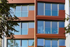 Die Systeme spiegeln über viele Jahre die architektonische Intention wider, hier bei einem Wohnhaus in Berlin