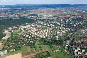 Luftaufnahme der Franklin-Kaserne. Die ehemalige Militärsiedlung verwandelt sich aktuell in ein neues, lebendiges Stadtviertel von Mannheim