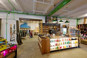 Beispiel für kreativwirtschaftliche Nutzung: Bastl Boards – WerkstattLaden im Leipziger Tapetenwerk
