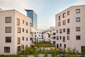 Dorf trifft Stadt – das fünfgeschossige Wohnzentrum bietet beste Spielflächen. Nur wenige Meter sind es zu den Büroflächen in der Parkstadt Schwabing