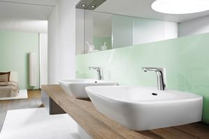 Moderne Wohnräume werden zu Orten der Erholung und des Fortschritts zugleich. Das Badezimmer wird offener und bietet individuellen Komfort. So zum Beispiel mit der berührungslosen Waschtischarmatur HANSALIGNA