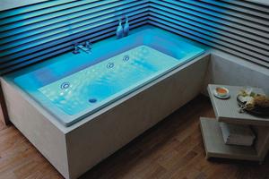 Puro: Badewanne mit Vivo Turbo Whirlsystem und beleuchteten Düsen