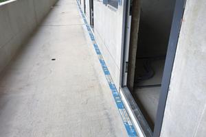 Bei der Anordnung von Bauprodukten ist darauf zu achten, dass der Anschluss durchgehend ausgeführt wird, damit neben Wärmeschutz auch der komplette Brandschutz gewährleistet ist