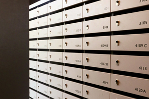 Auch die Briefkästen sind mit elektronischen blueSmart-Zylindern gesichert