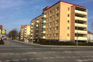 Bild 2: In warmen Farbtönen neu gestaltetes und energetisch saniertes Gebäudeensemble