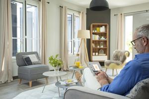 Smartes Heim: In enger Zusammenarbeit mit Somfy hat Oknoplast seine Smart-Home-Produkte entwickelt.