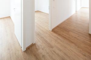 Alle Wohnungen wurden mit objectflor Designbelägen in einer hellen Eicheoptik ausgestattet