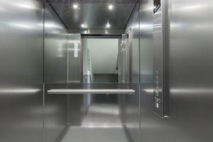 Durch den Standby-Modus des Aufzugs und die automatische Kabinenlichtsteuerung wird Strom gespart
