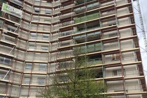 Die Balkone des Hochhauses waren sanierungsbedürftig