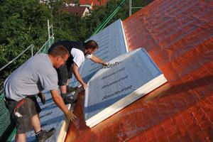 Bild 4: Die Aufsparrendämmung ist eine wärmebrückenfreie effiziente Lösung, die vor Feuchteschäden schützt