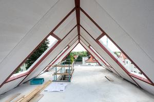 Das Massivdach aus Porenbeton verbindet Wärmedämmung und Brandschutz und bietet durch Wärmespeicherfähigkeit ein gleichmäßiges Klima im Dachraum