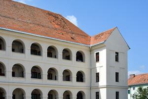 """Das ehemalige Landesschülerheim """"Dominikanerkaserne"""" in Graz ist heute ein modernes Studentenwohnheim"""