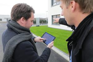 Mittels einer GPS-unterstützten App auf einem Tablet werden alle städtebaulichen Objekte mit ihren Geodaten sowie vordefinierten Merkmalen erfasst
