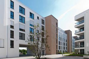Moderner Wohnungsbau zeichnet sich durch einen erhöhten Trittschallschutz aus. Dank Trittschalldämmelementen ist ein leiser Zugang über die zentral eingebundenen Treppenhaustürme in die Gebäude möglich