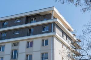 Durch die Aufstockung entstanden 16 neue Wohnungen in Größen zwischen 64 und 106 m²
