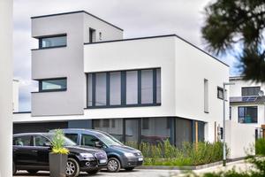 Gesundes Innenraumklima und hohe Energieeffizienz sind nur über eine kontrollierte Wohnungslüftung mit Wärme- und Feuchterückgewinnung machbar. Dabei kommt es auf die Gerätequalität an.