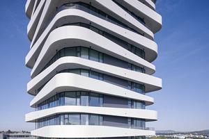 Das Konzept mit den umlaufenden Balkonen verleiht dem Hochhaus ein dynamisches Aussehen