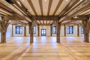 Der historische Rathaussaal beeindruckt mit ausdrucksstarker Atmosphäre