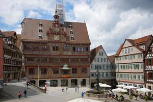"""Das Rathaus """"Am Markt"""" ist eines der bedeutendsten historischen Gebäude in Tübingen und in der Region"""