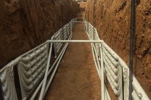 Rechts: Der Verlegeabstand muss mindestens 0,7 m betragen, um die Regenerationsfähigkeit auch im Winter voll zu erhalten