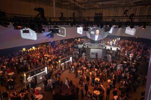 """Die Roadshow """"Viega 360° erleben"""" begeistert mit ihrer einmaligen Präsentationstechnik bereits zum Auftakt in der Hamburg Messe mehr als 1.300 Besucher."""