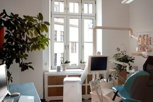 Der Austausch der alten Fenster gegen die Holzdenkmalfenster ging im bewohnten Objekt und bei laufendem Betrieb reibungslos vonstatten
