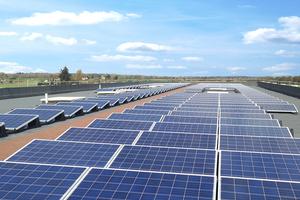Stimmt der Aufbau, ist ein Gründach oder die Installation einer Photovoltaikanlage ein Gewinn