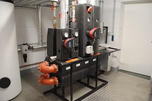 In den Häusern kamen Übergabestationen zum Einsatz, die für Wärme und Warmwasser sorgen