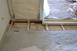 Der Bodenaufbau wurde in Trockenbauweise mit einem Trockenestrich-System aus GipsfaserPlatten ausgeführt