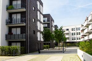 Entspannen, spielen, Sommer genießen: liebevoll angelegte Außenanlagen sorgen für Lebensqualität im Wohnquartier