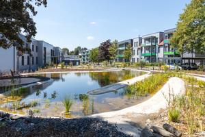 Schule mit neuer Nutzung: Blick in den Innenhof