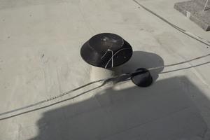Triflex Flüssigkunststoff schützt das Dach zuverlässig gegen Feuchtigkeit. MitTriflex ProDetail werden alle Hochzüge und Details abgedichtet