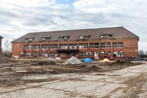 Gebäude der ehemaligen Nebenstelle des Heeresbekleidungshauptamtes vor dem Umbau