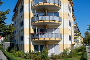 Oben: generationengerechtes Wohnhaus im Fürstenberg-Kiez; unten: 52° Nord in Köpenick