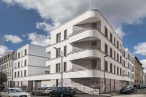 Hier war eine vermüllte Brachfläche: Mit der Lückenbebauung ist der WBG eine architektonisch attraktive Aufwertung des Quartiers gelungen