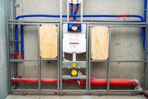 Unter anderem entstanden auch barrierefreie Sanitärräume mit Montageplatten für Stützgriffe an den WCs
