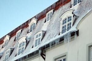 Schnee- und Eismassen können zu einem unkalkulierbaren Risiko werden