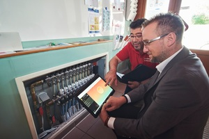 """""""Fonterra Smart Control"""" kann in der Kita in Neuwied über das WLAN-Modul komfortabel am Tablet programmiert werden"""