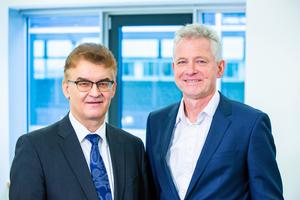 Dr. Hannes Zapf (rechts) und Dr. Ronald Rast (links) sind die führenden Vertreter der DGfM, die die Verbandsinteressen des Mauerwerks- und Wohnungsbaus in Deutschland wahrnehmen. <br />