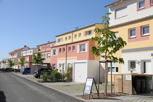 Das Wohngebiet Reuthsee in Adelsdorf bietet im Großraum Nürnberg moderne Reihenhäuser und freistehende Doppelhaushälften zu erschwinglichen Preisen.