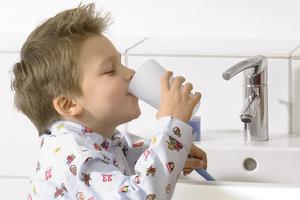 Trinkwasser muss genusstauglich, sauber und rein sein. Ob es das tatsächlich ist, hängt maßgeblich von den Temperaturbedingungen im Rohrleitungsnetz ab